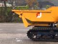 测试一台履带装载机 拖斗能自卸还能转向 (220播放)